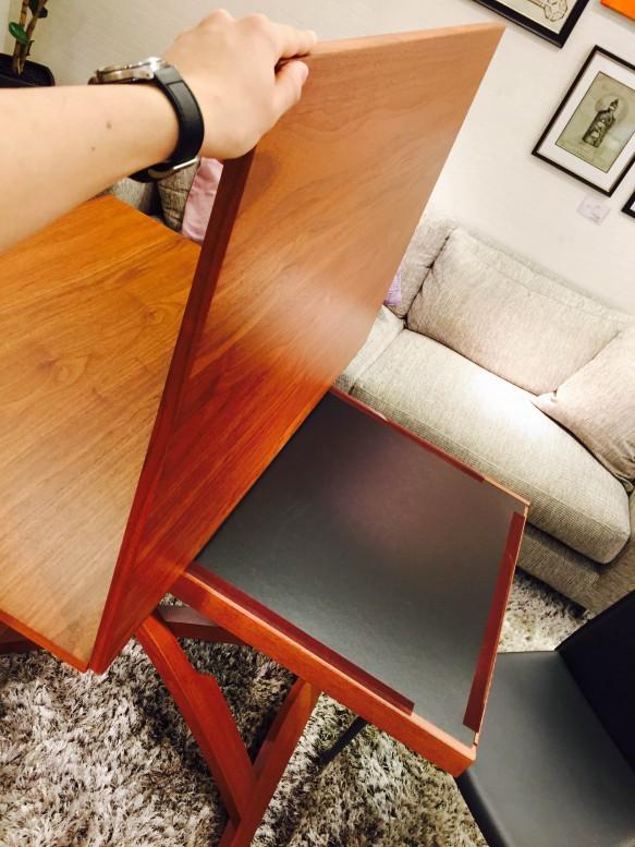 広がるテーブル
