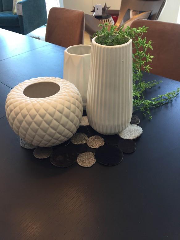 インテリア コーディネート クッション アート 花瓶