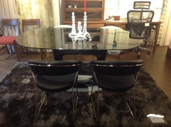楕円型伸長テーブル「オービタル」
