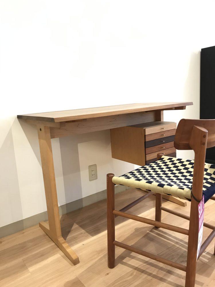 LIVINGHOSE. デスク おしゃれ かっこいい 可愛い 木製テーブル