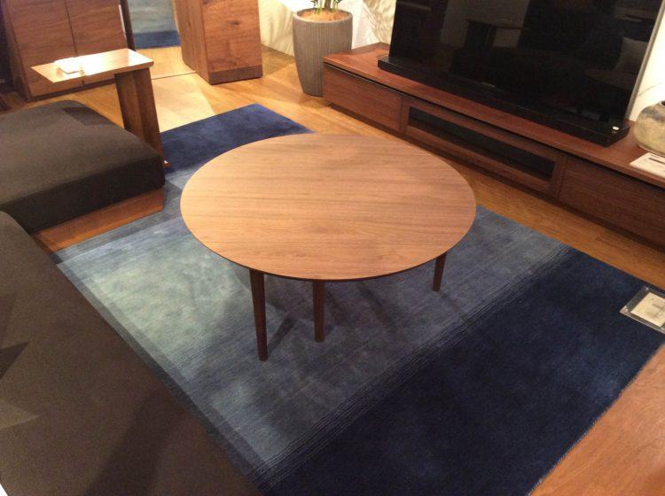 インテリア、リビングテーブル、丸テーブル