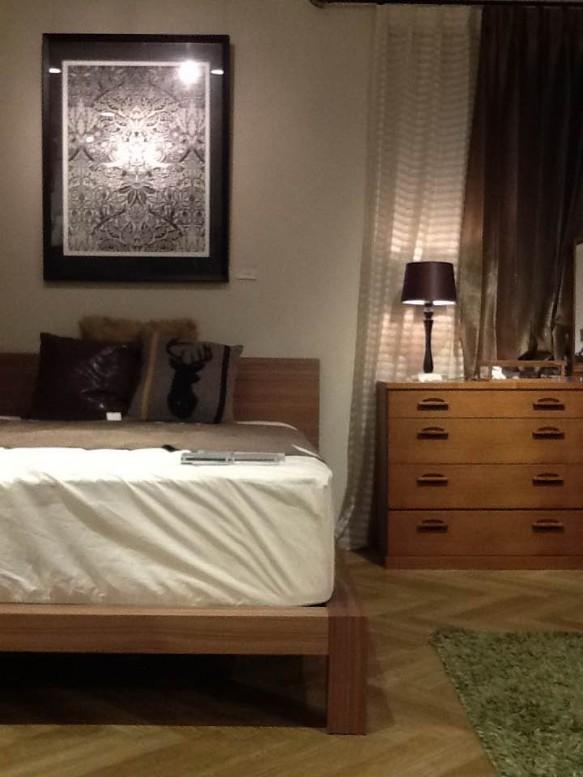 寝室 クッション