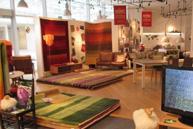 あべの店にてハグミ絨毯展