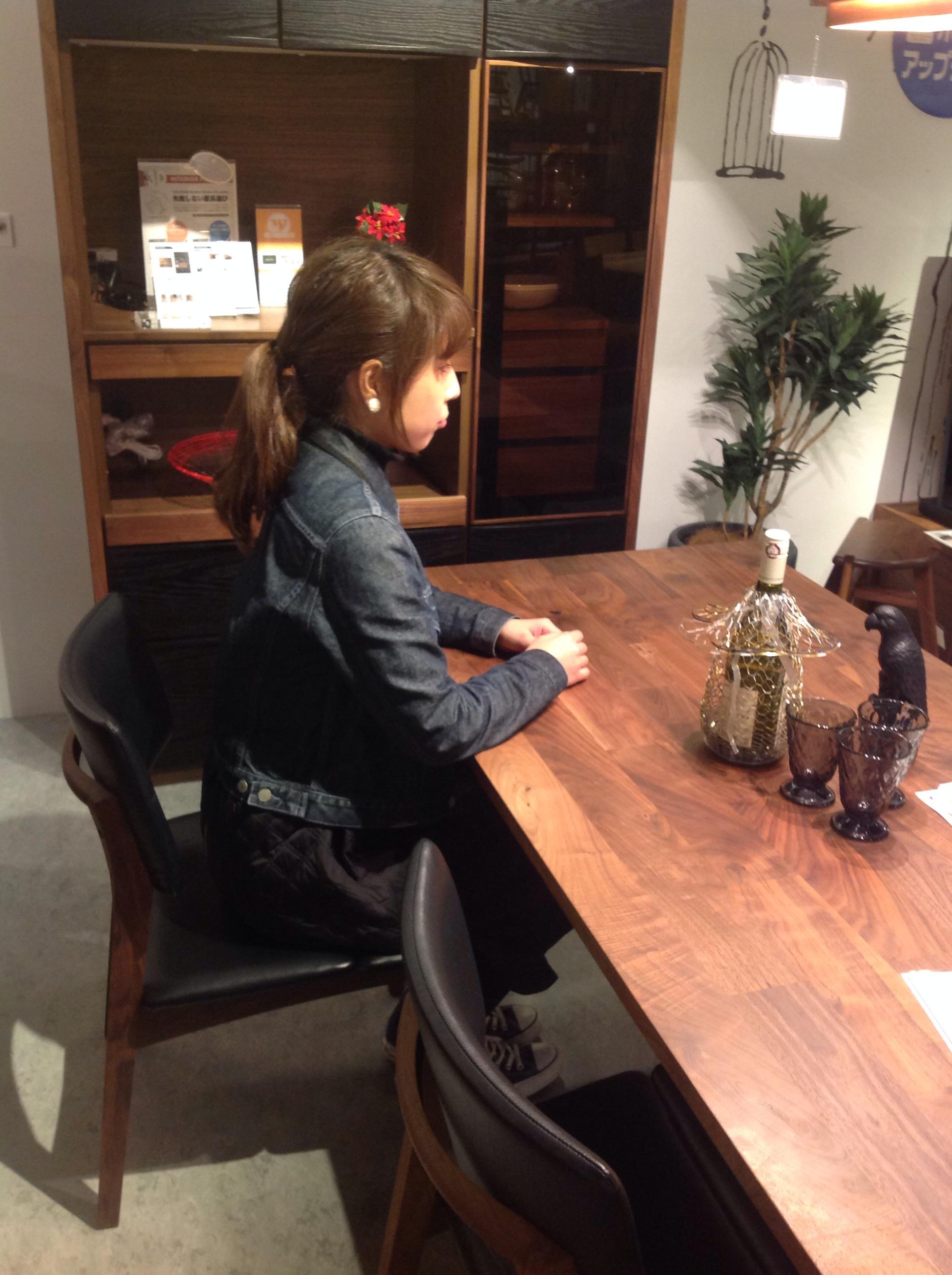 ☆ダイニングテーブルの高さ☆   おしゃれな家具なら インテリア