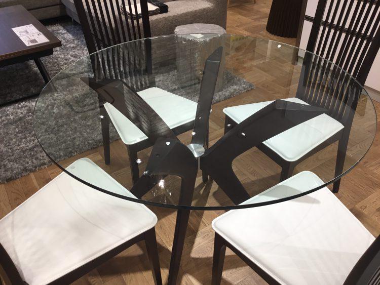 ガラステーブル ダイニングテーブル 高級感 モダン
