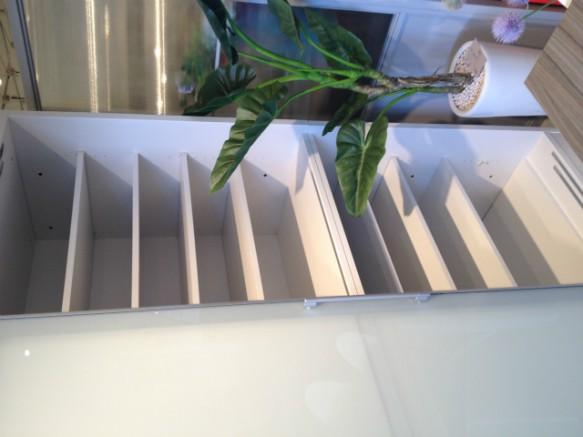 食器棚 キッチンボード ダイニングボード 大容量 スライドレール 可動棚