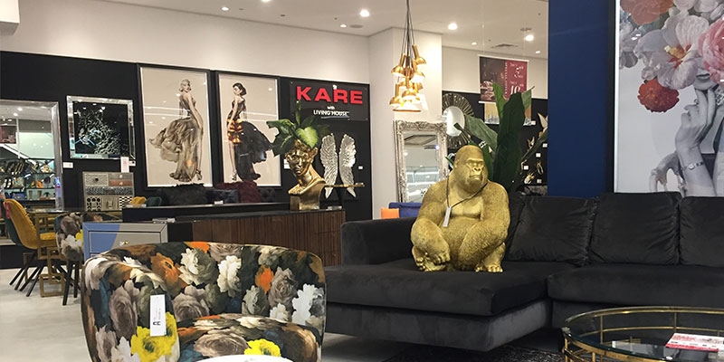 KARE with LIVING HOUSE. 心斎橋店